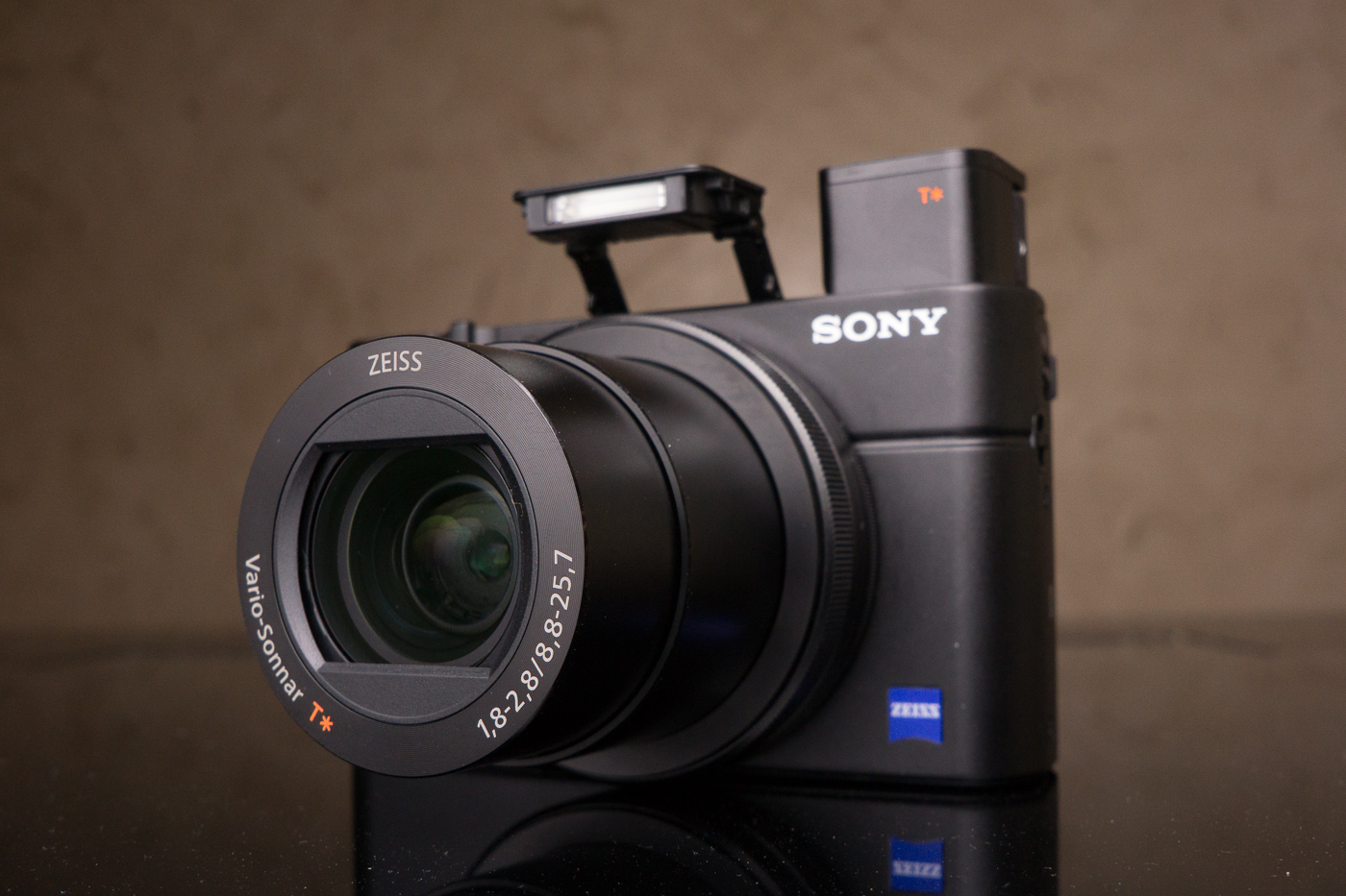sony rx100 iii review a stylish and practical travel camera that produces pro looking photos. Black Bedroom Furniture Sets. Home Design Ideas