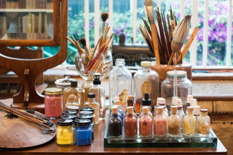 Sony RX-100 III photography sample: Frida Kahlo's painting supplies at Casa Azul in Mexico City